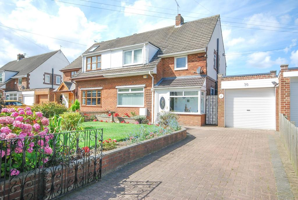 3 Bedrooms Semi Detached House for sale in Lynholme, Bridle Path