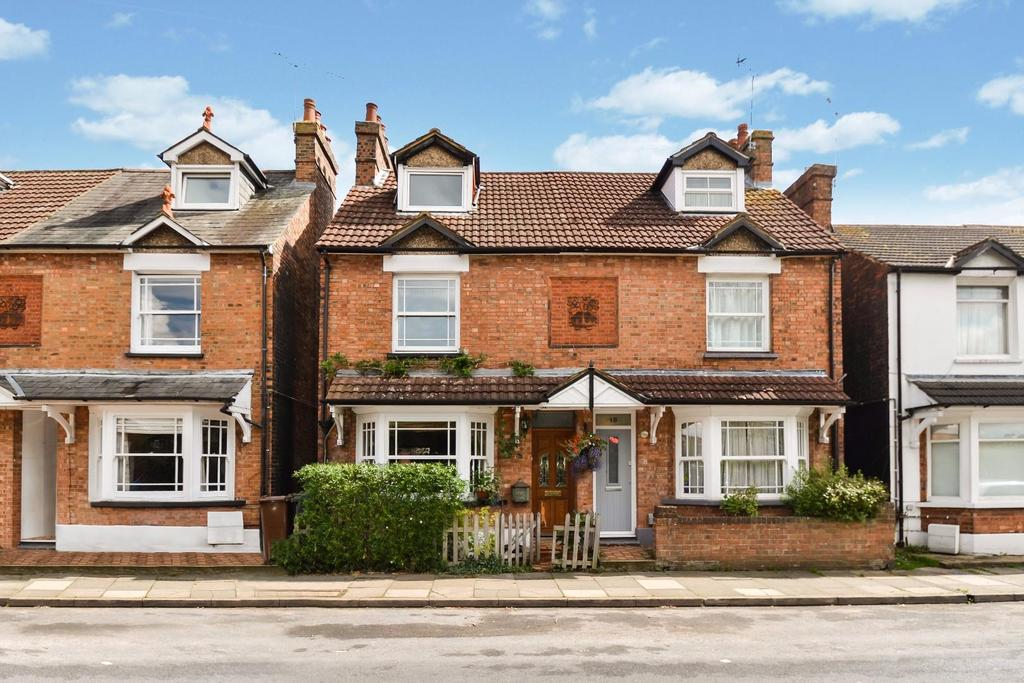 4 Bedrooms Semi Detached House for sale in Woodstock Road South, St. Albans
