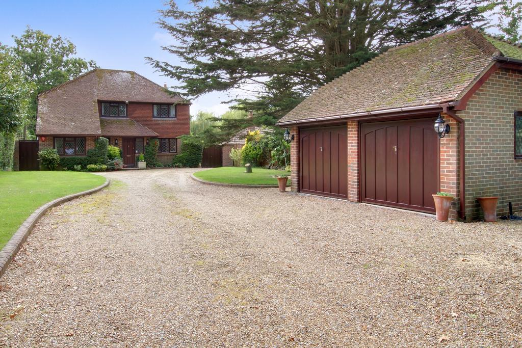3 Bedrooms Detached House for sale in UPLANDS ROAD, DENMEAD