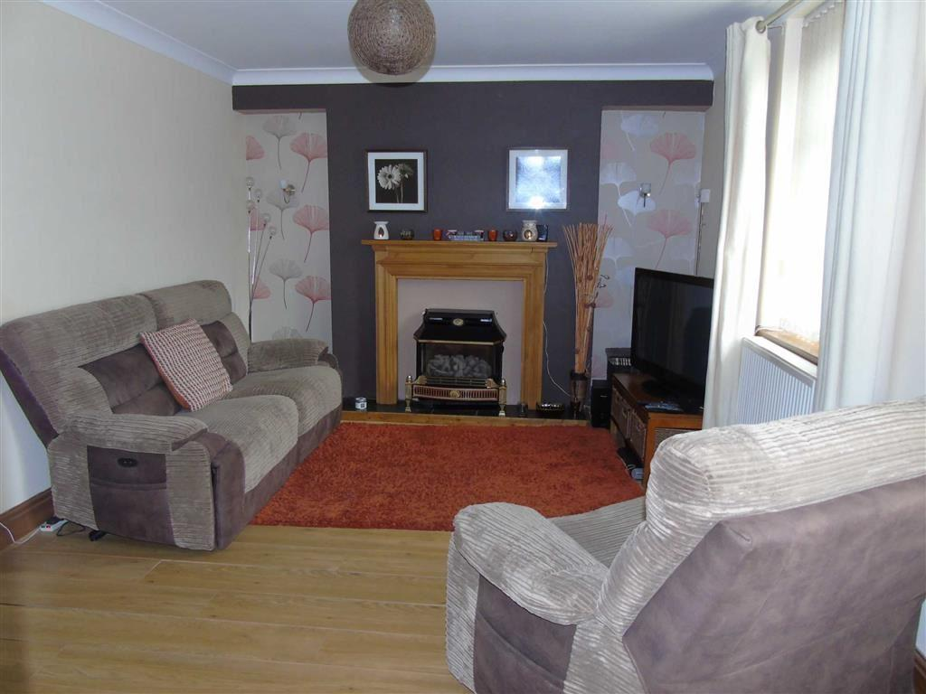 3 Bedrooms Semi Detached House for sale in Heol Llanelli, Pontyates, Llanelli