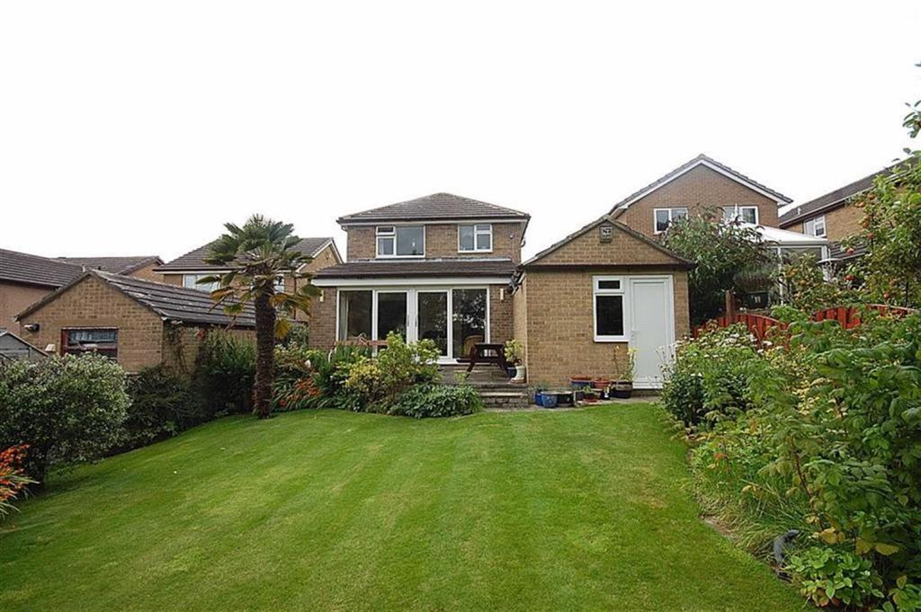 4 Bedrooms Detached House for sale in Burton Acres Lane, Kirkburton, HD8