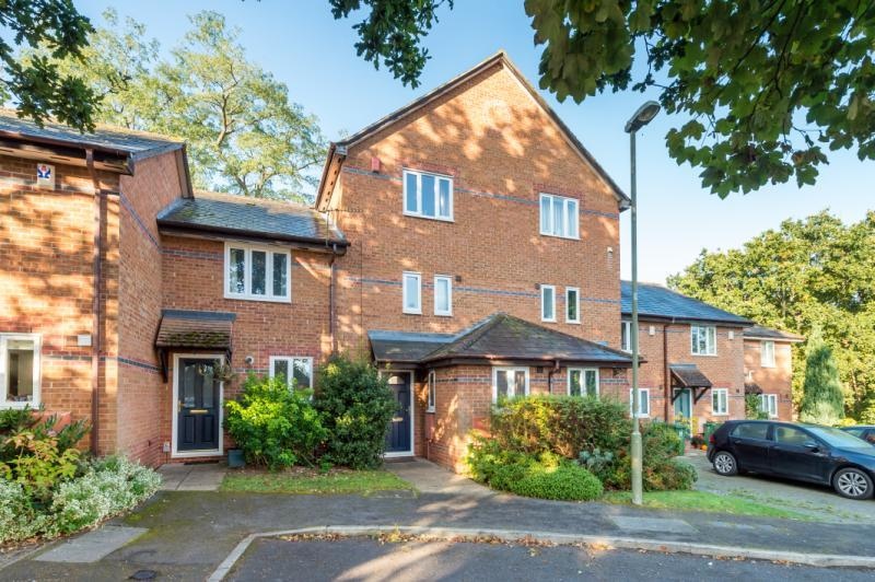 3 Bedrooms Terraced House for sale in Anne Greenwood Close, Oxford, Oxfordshire