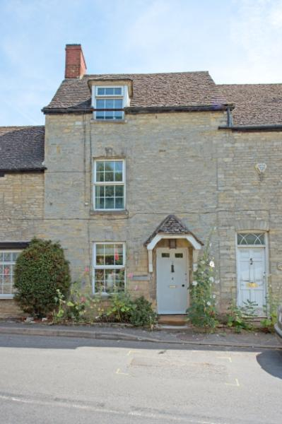 3 Bedrooms Terraced House for sale in Azelina's Cottage, High Street, Islip, Kidlington, Oxfordshire