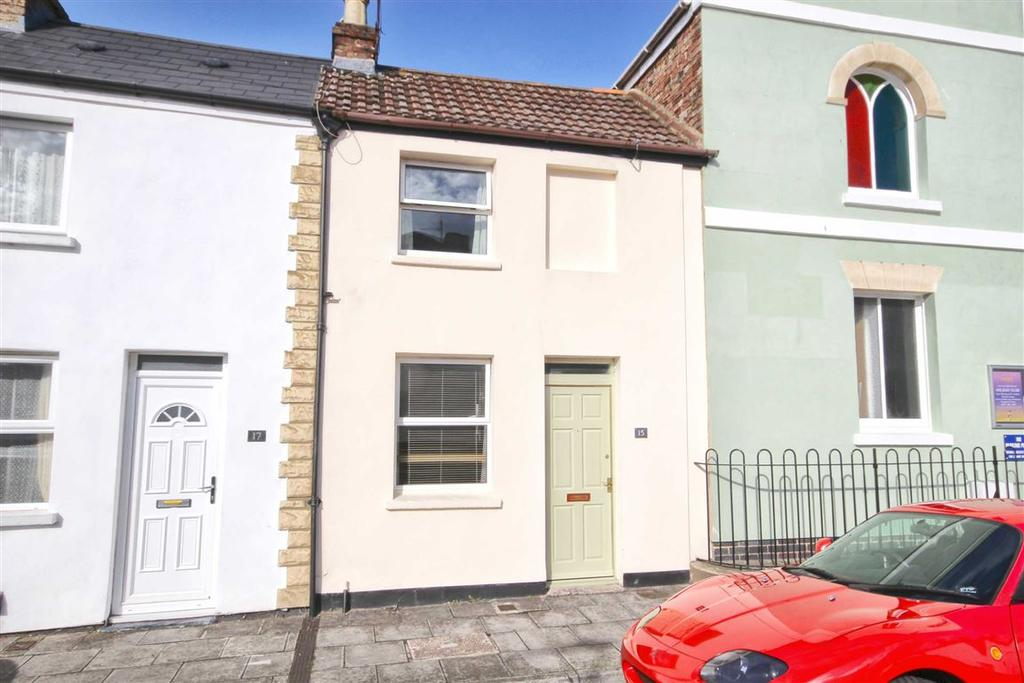 2 Bedrooms Terraced House for sale in Russell Street, St Pauls, Cheltenham, GL51