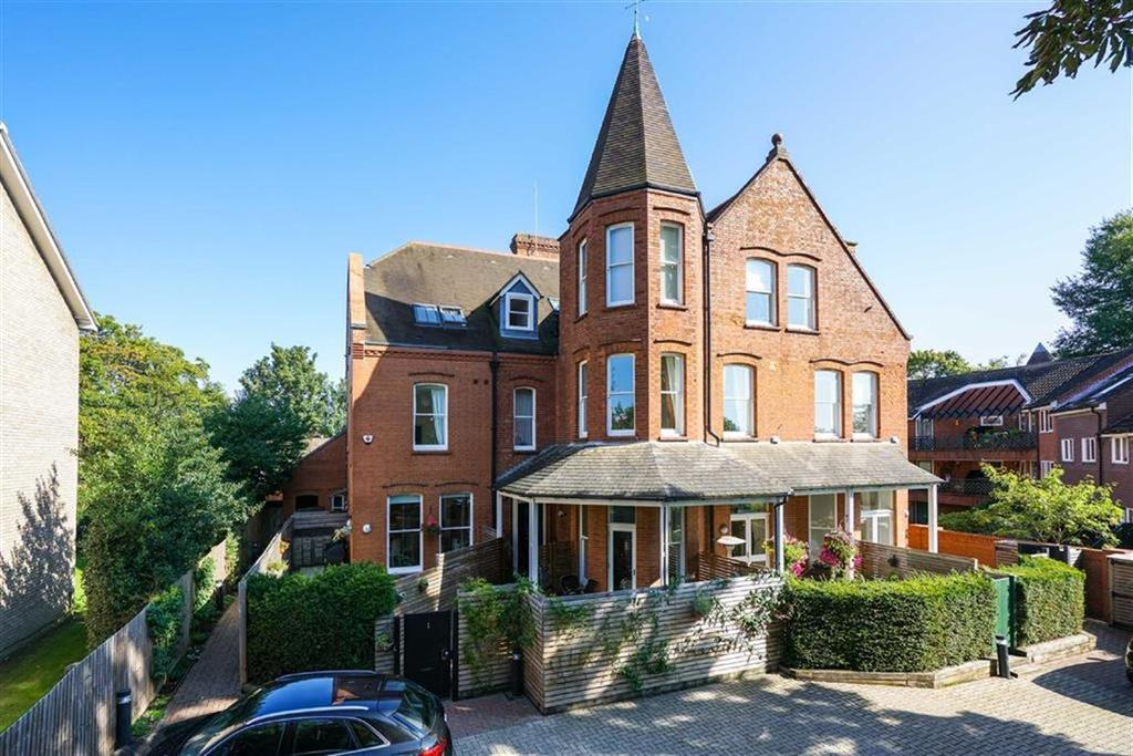 3 Bedrooms Terraced House for sale in Cadoxton Place, St Albans, Hertfordshire