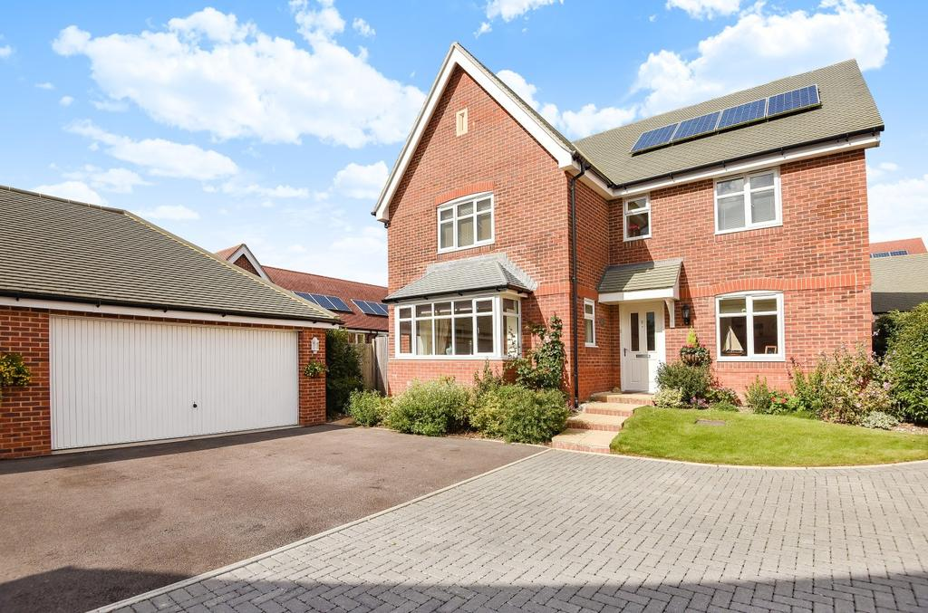 5 Bedrooms Detached House for sale in Henwood Grove, Clanfield, PO8