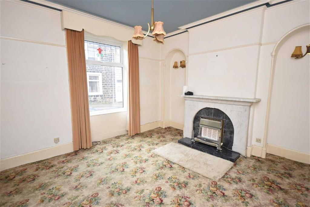 4 Bedrooms Terraced House for sale in Earl Street, Colne, Lancashire