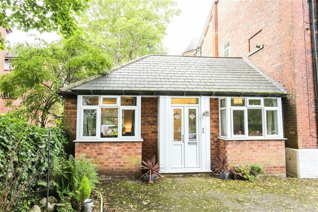 2 Bedrooms Semi Detached Bungalow for sale in Mauldeth Road, Heaton Mersey