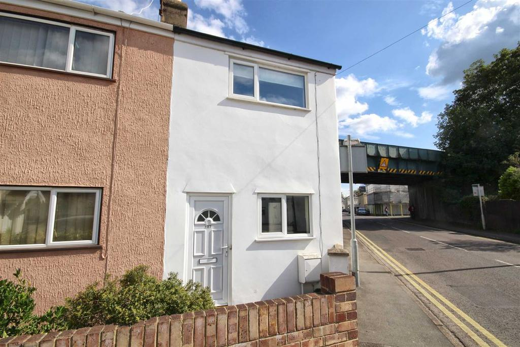 2 Bedrooms End Of Terrace House for sale in Swindon Road, St Paul's, Cheltenham, GL51