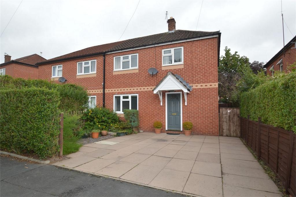 3 Bedrooms Semi Detached House for sale in Hempcroft Road, Timperley, ALTRINCHAM, Cheshire