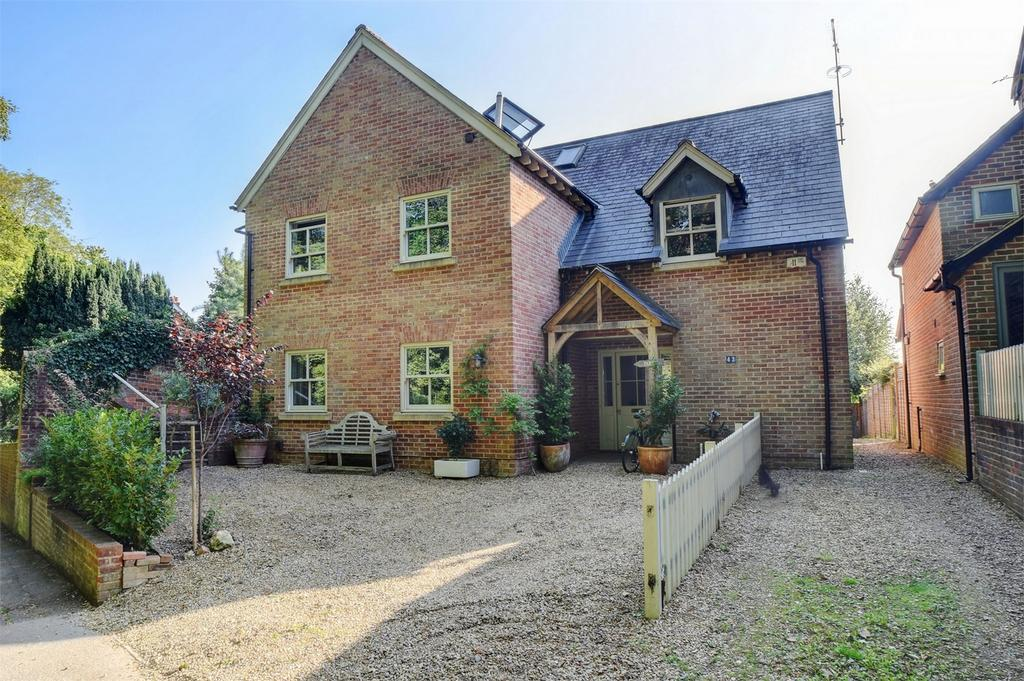 5 Bedrooms Detached House for sale in Town Lane, PETERSFIELD, Hampshire