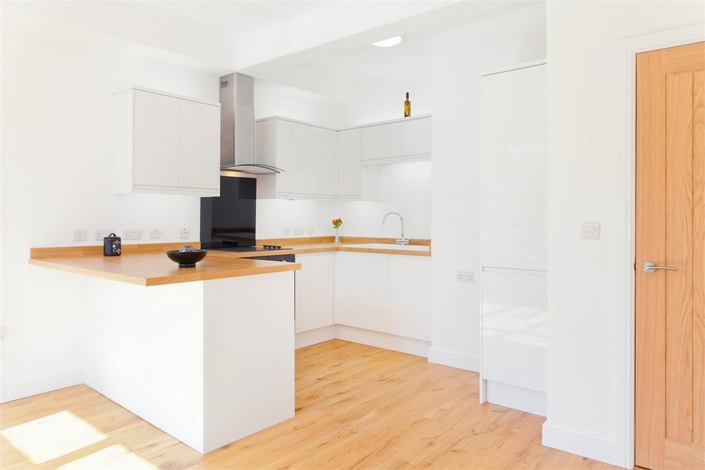 3 Bedrooms Flat for sale in Burton Stone Lane, York