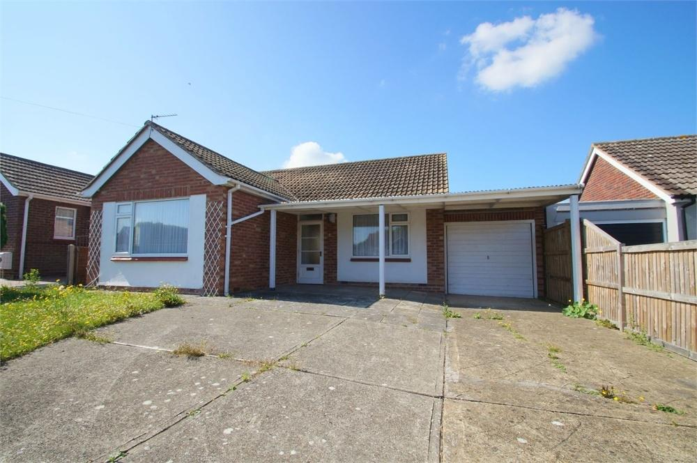 2 Bedrooms Detached Bungalow for sale in Frobisher Drive, Jaywick, CLACTON-ON-SEA, Essex