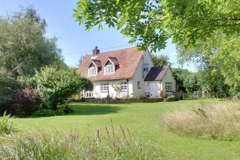 3 bedroom detached house for sale - CHIDDEN, HAMBLEDON