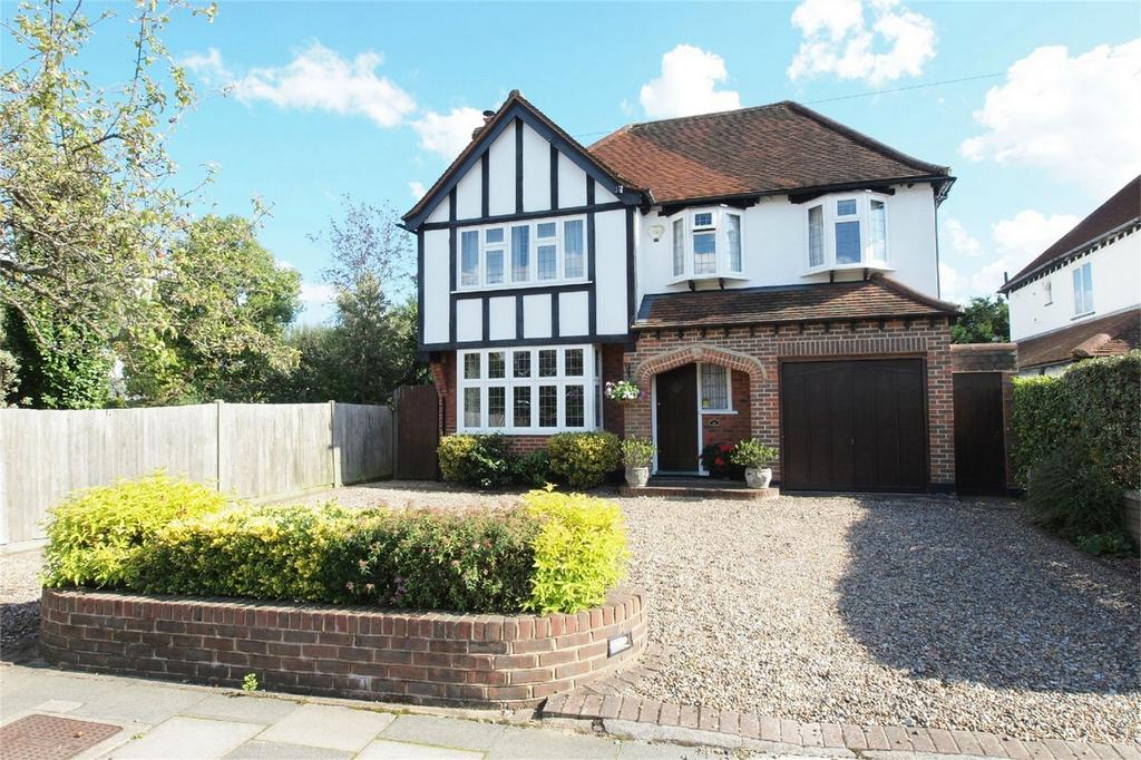 4 Bedrooms Detached House for sale in Romanhurst Gardens, Bromley, Kent