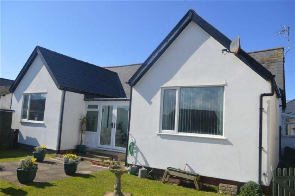 3 Bedrooms Detached Bungalow for sale in Coronwen, High Street, Borth, Ceredigion, SY24