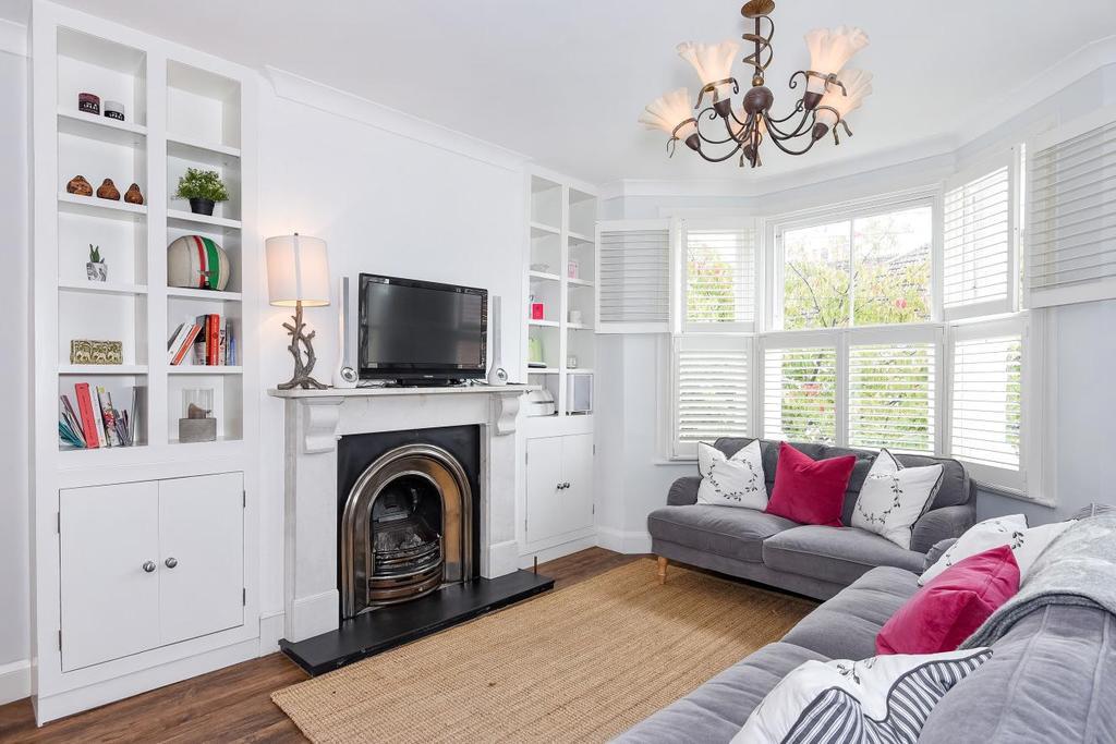 2 Bedrooms Flat for sale in Bronsart Road, Fulham