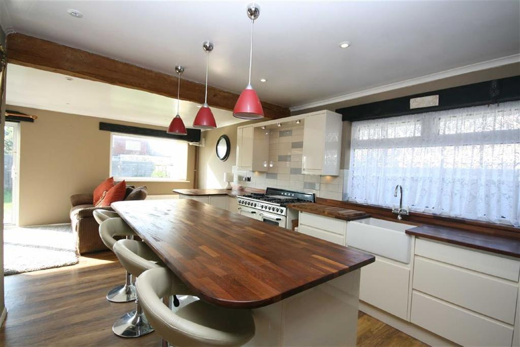 3 Bedrooms Detached Bungalow for sale in Keymer Avenue, Peacehaven
