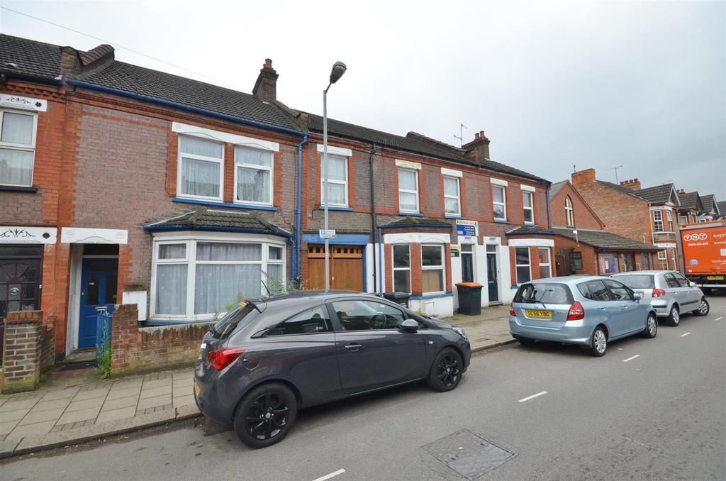 2 Bedrooms Terraced House for sale in Reginald Street, Luton
