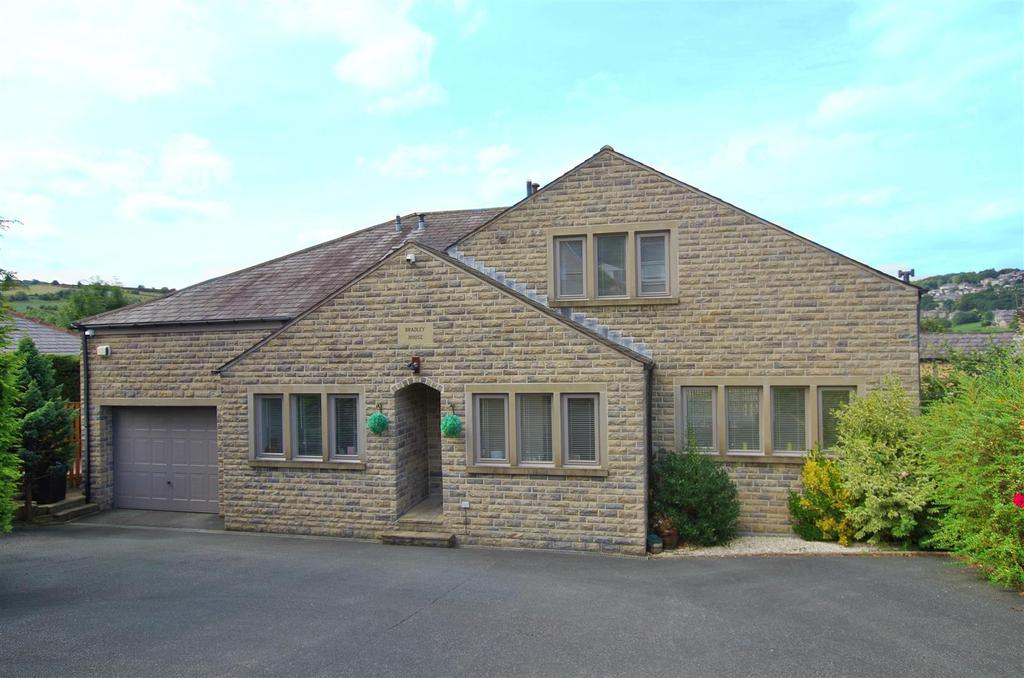 4 Bedrooms Detached House for sale in Long Heys, Greetland