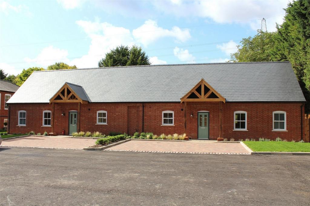 3 Bedrooms Semi Detached Bungalow for sale in Hadrian Way, Baldock, Hertfordshire