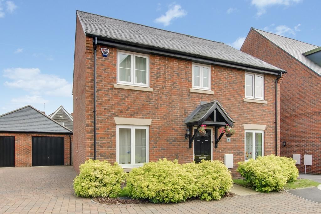 4 Bedrooms Detached House for sale in SAINT JACQUES WAY, DENMEAD