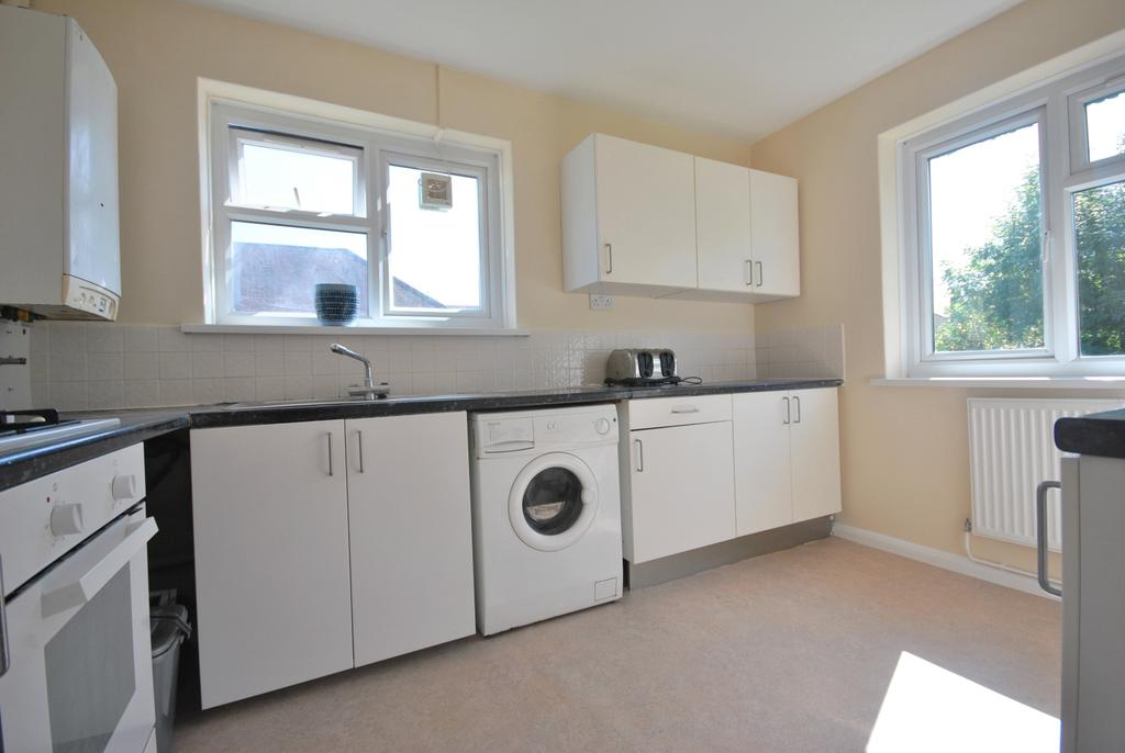 2 Bedrooms Flat for sale in Wydeville Manor Road Grove Park SE12