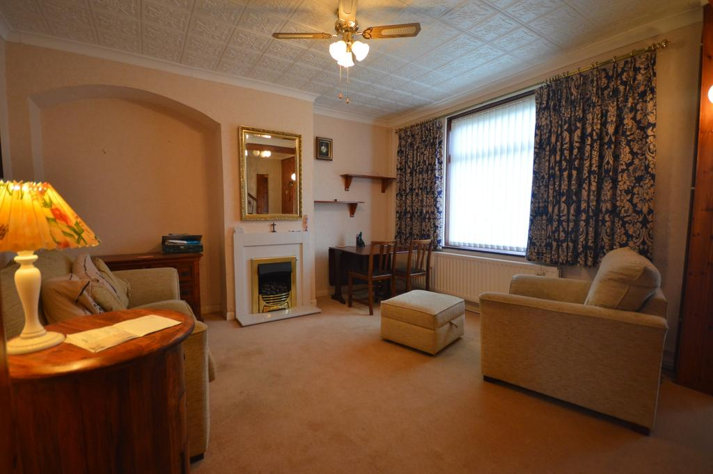 3 Bedrooms Terraced House for sale in Whitefoot Terrace Bromley BR1