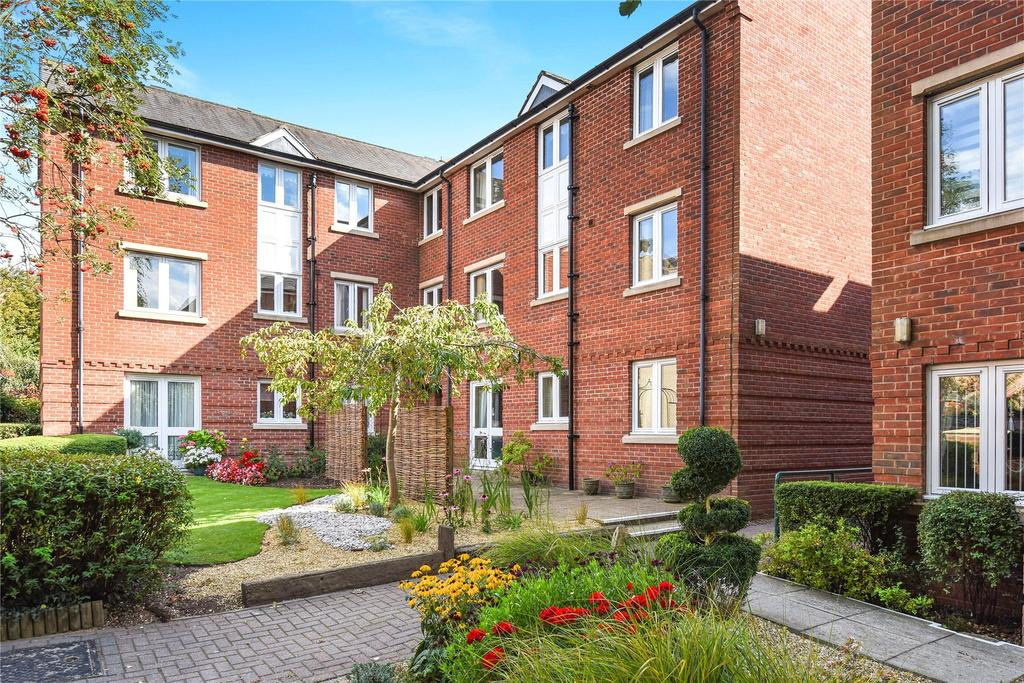 2 Bedrooms Flat for sale in Georgian Court, Spalding, PE11