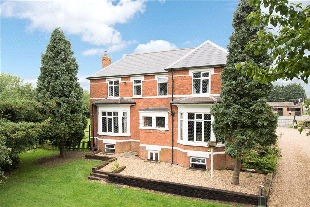 5 Bedrooms Unique Property for sale in Bedford Road, Rushden, Northamptonshire