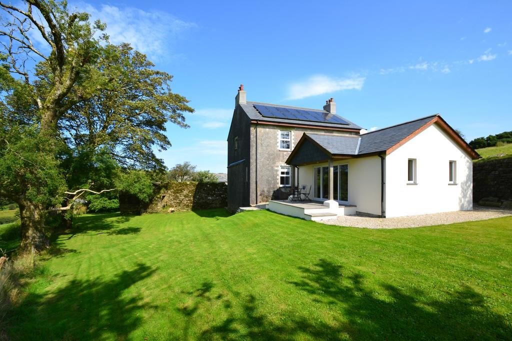 4 Bedrooms Detached House for sale in Temple, Bodmin