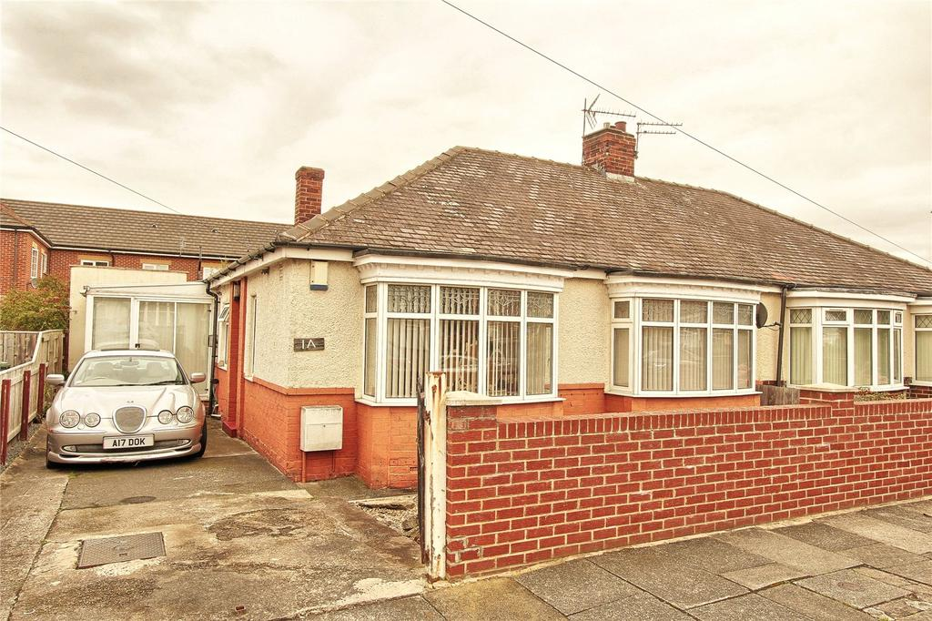 2 Bedrooms Semi Detached Bungalow for sale in Arncliffe Avenue, Hartburn