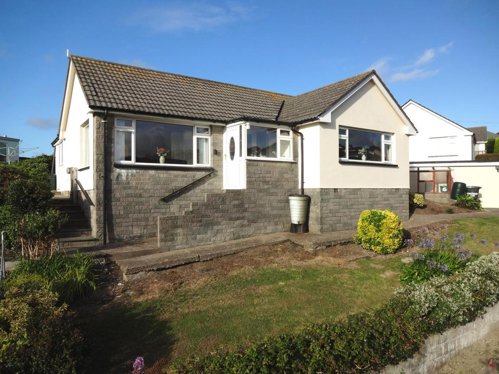 2 Bedrooms Bungalow for sale in Marlborough Close, Ilfracombe