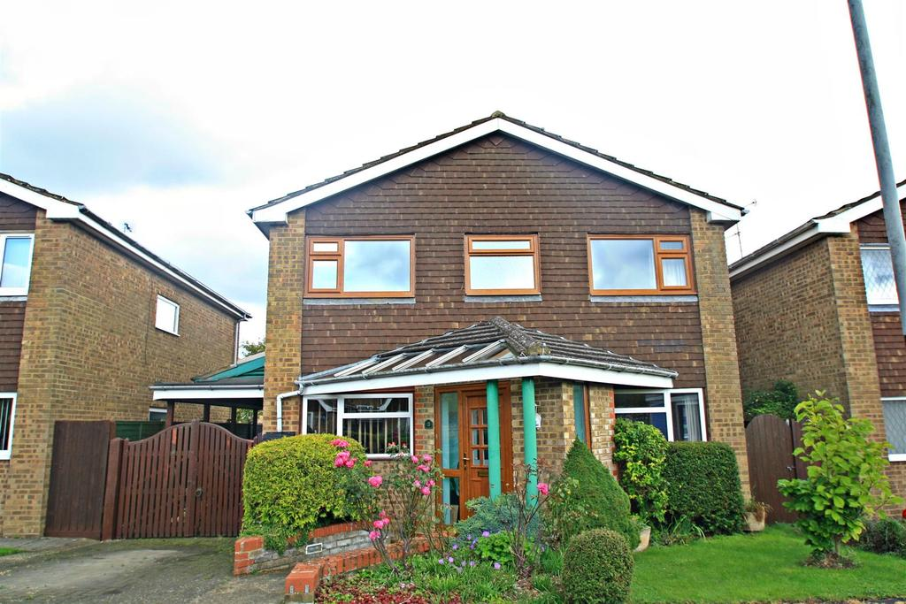4 Bedrooms Detached House for sale in Hoylake Close, Bletchley, Milton Keynes