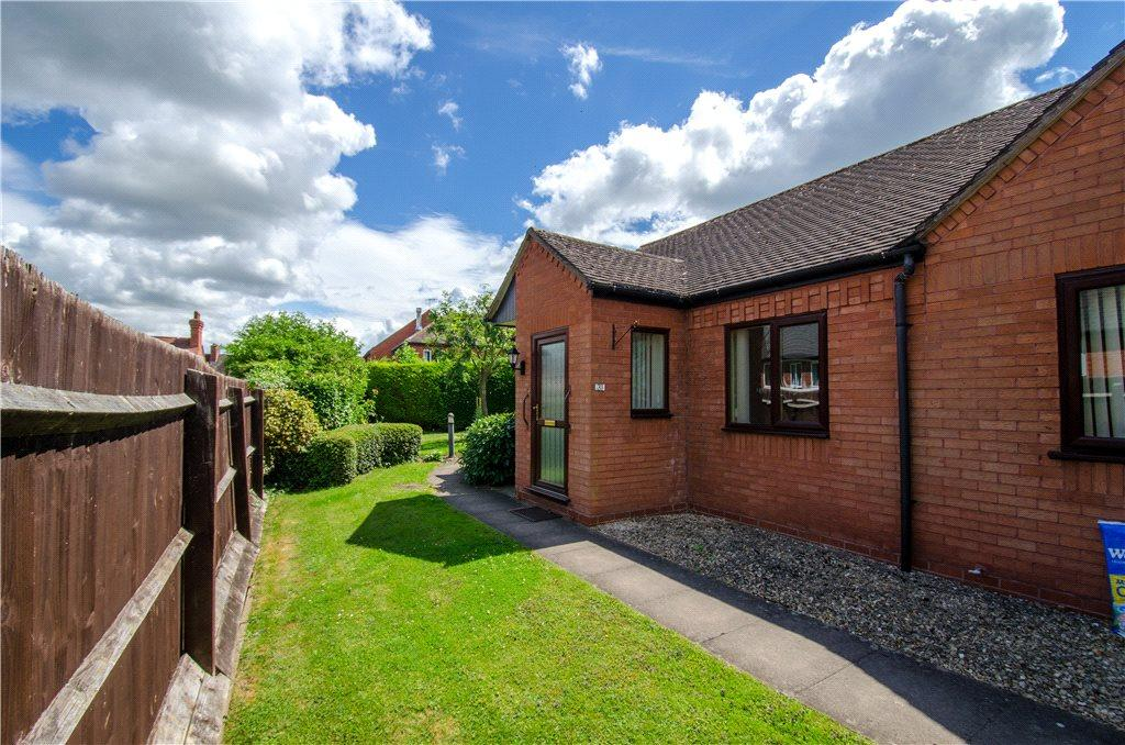 1 Bedroom Semi Detached Bungalow for sale in Heriotts Court, St. Georges Crescent, Droitwich, Worcestershire, WR9