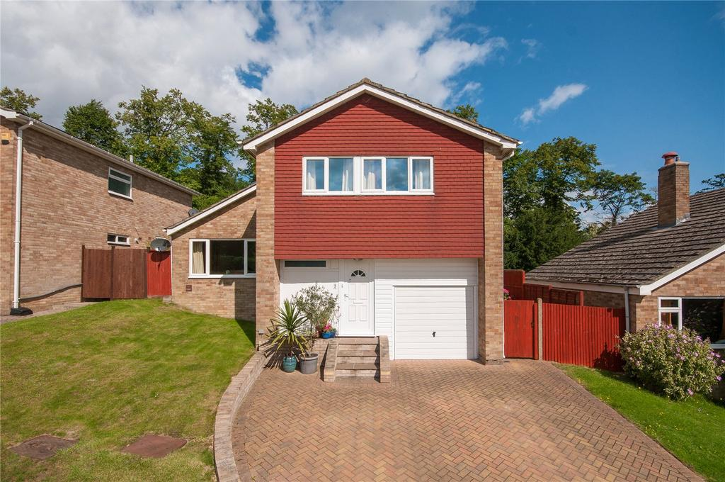 4 Bedrooms House for sale in Cartmel Close, Reigate, Surrey, RH2