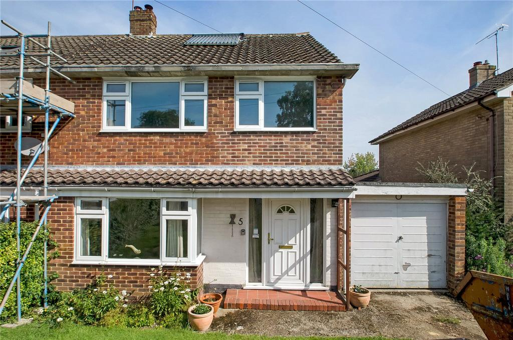 3 Bedrooms Semi Detached House for sale in Sermon Road, Winchester, Hampshire, SO22