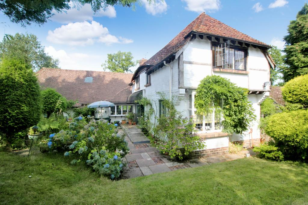 4 Bedrooms Cottage House for sale in West Chiltington