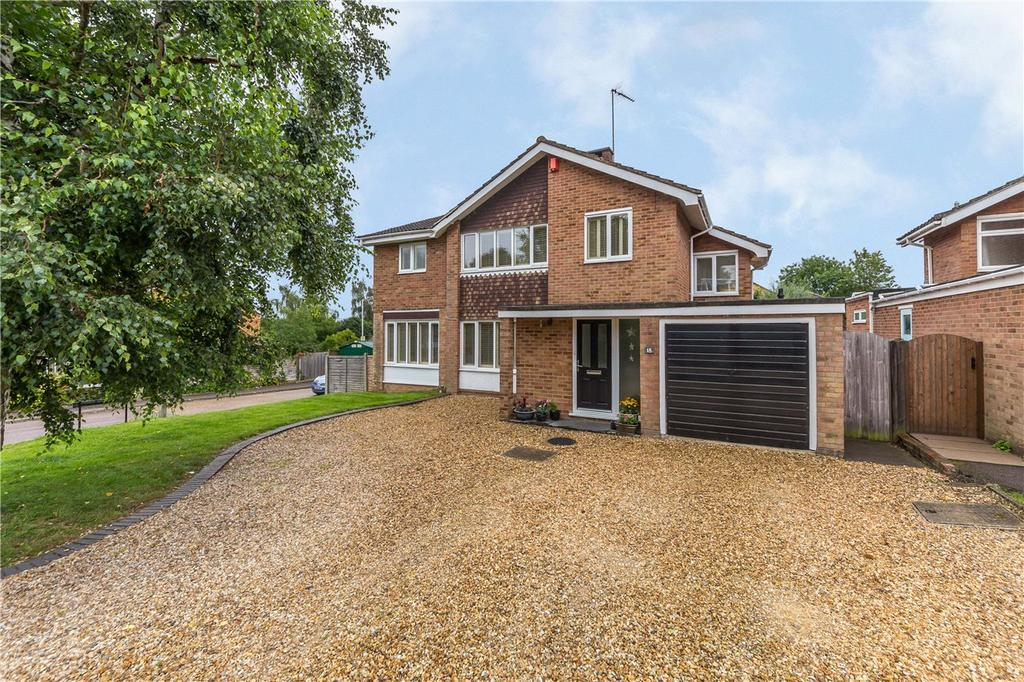 4 Bedrooms Detached House for sale in Manland Way, Harpenden, Hertfordshire
