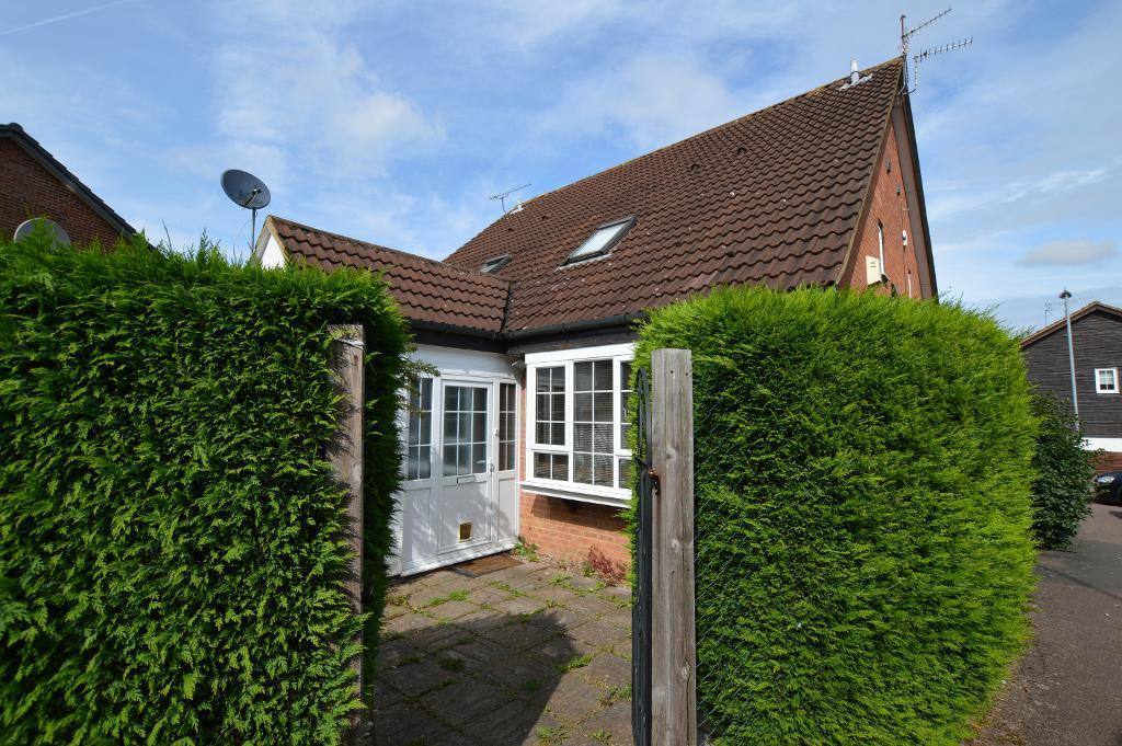 1 Bedroom Cluster House for sale in Shingle Close, Barton Hills, Luton, Beds, LU3 4AR