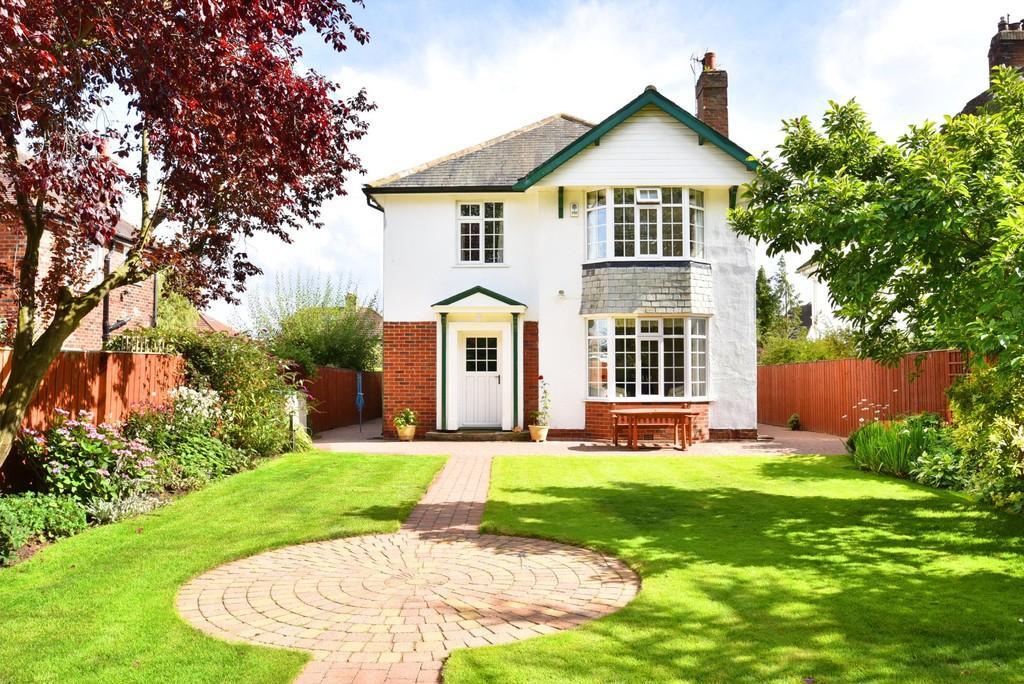 4 Bedrooms Detached House for sale in Slingsby Walk, Harrogate