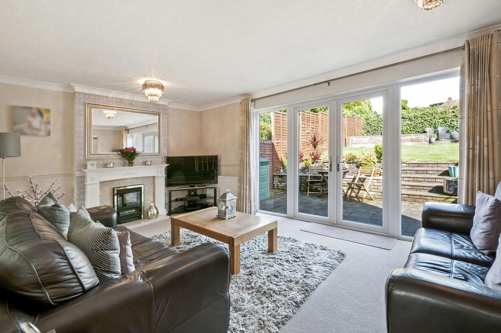3 Bedrooms Semi Detached House for sale in Greensands Road, Bearsted
