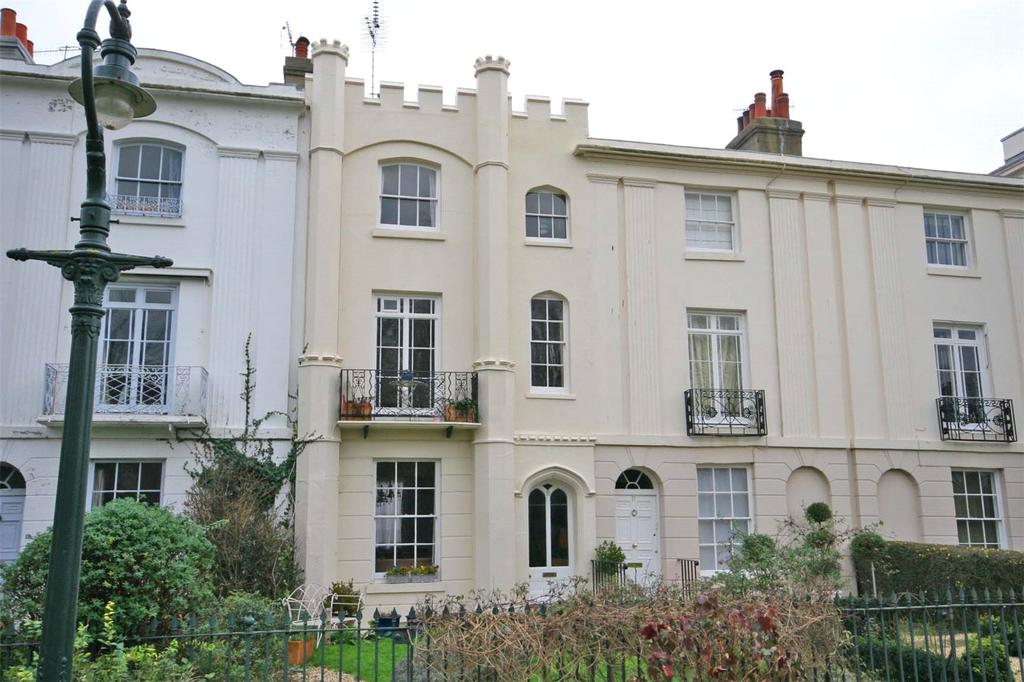 4 Bedrooms Terraced House for sale in Dane John Gardens, Canterbury, Kent, CT1