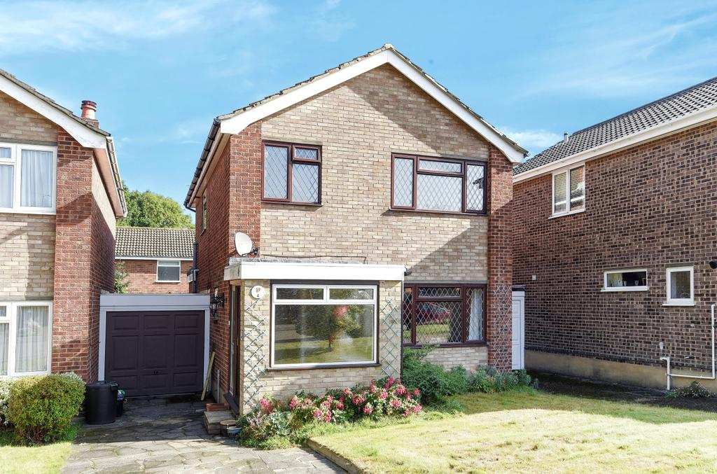 3 Bedrooms Link Detached House for sale in Gumping Road Orpington BR5