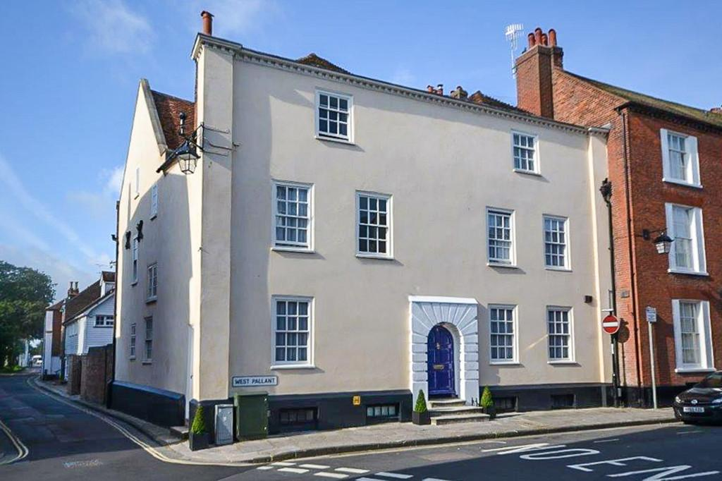 5 Bedrooms Town House for sale in West Pallant, Chichester