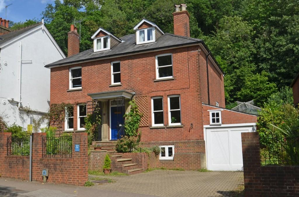 6 Bedrooms Detached House for sale in Godalming
