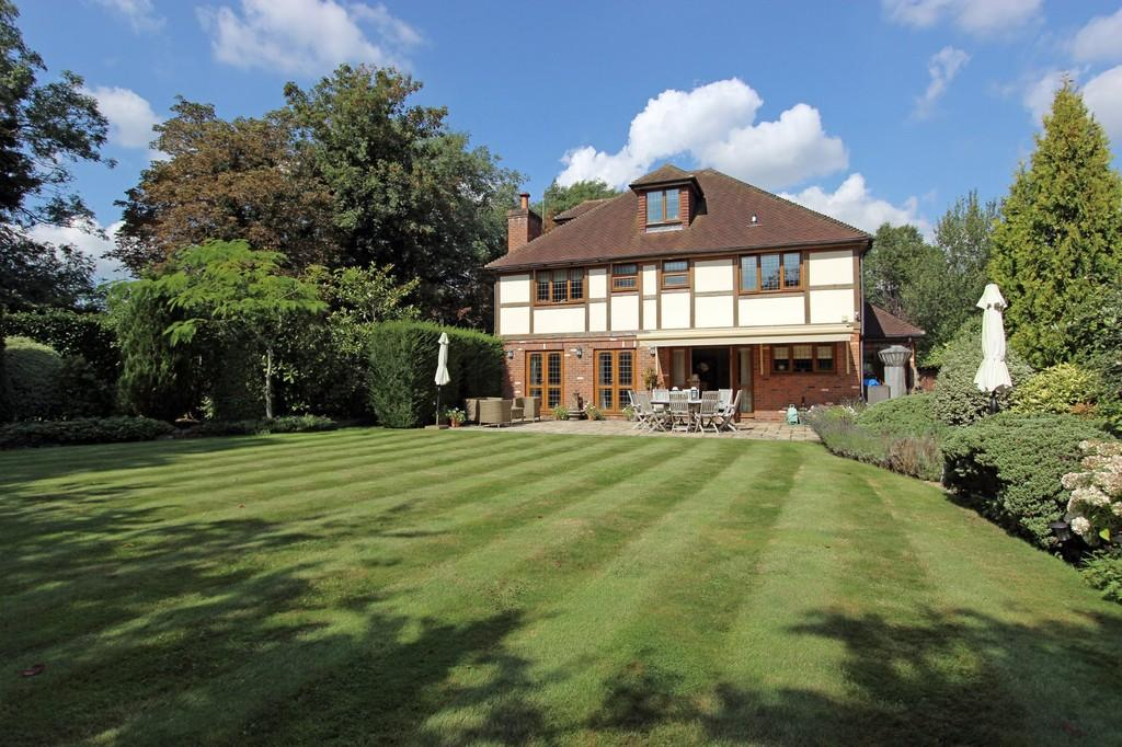 5 Bedrooms Detached House for sale in Woodcote Park Avenue, Purley