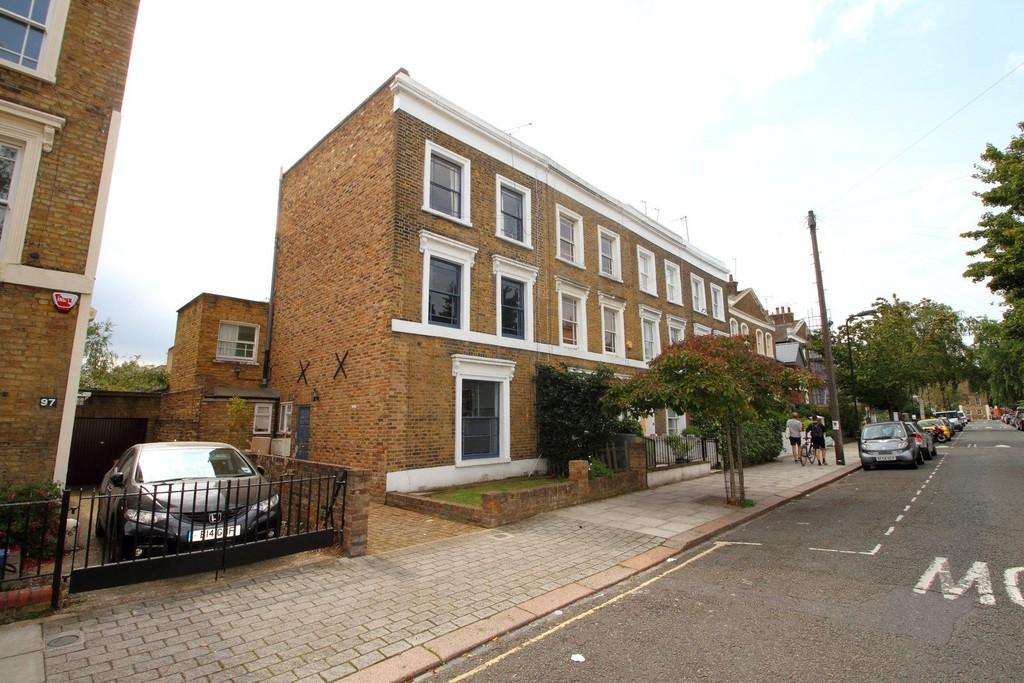 4 Bedrooms Semi Detached House for sale in Tottenham Road, N1 4EA