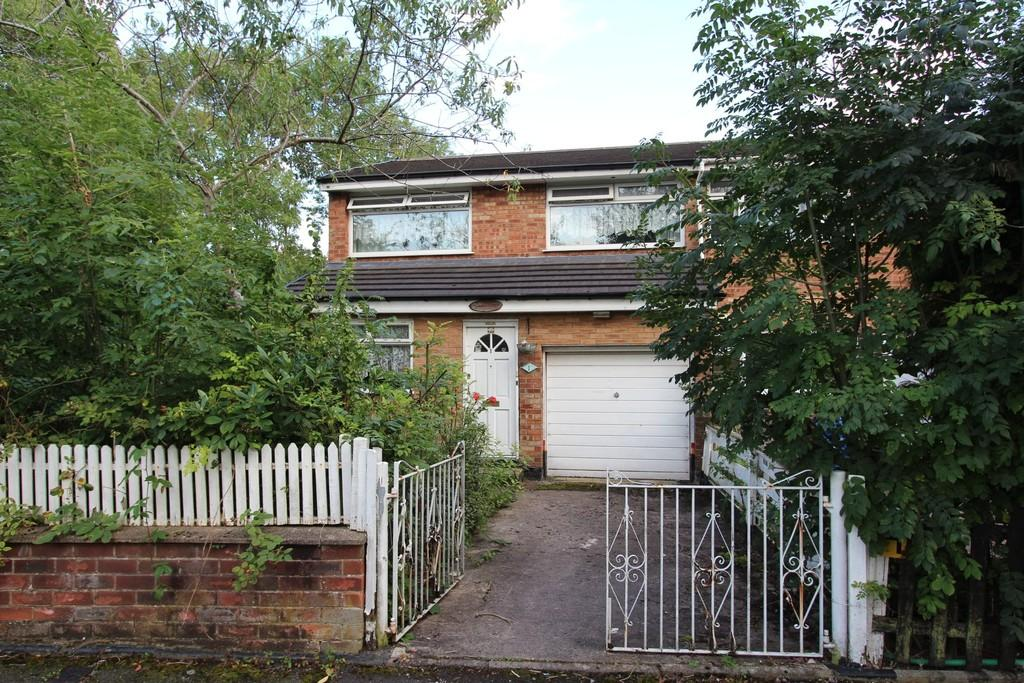 3 Bedrooms End Of Terrace House for sale in Empress Drive, Heaton Chapel