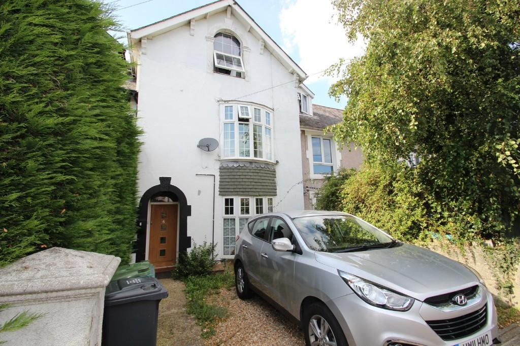 2 Bedrooms Maisonette Flat for sale in Upper Highland Road, Ryde